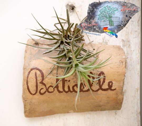 "B&B Giardino Nascosto ""Botticelle"""
