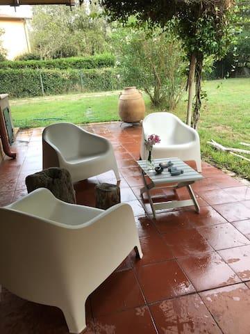 LAGOMARE da Barza , ampio giardino & oasi di relax