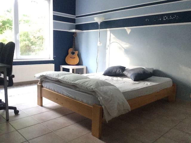 Comfortable and big room, near Louvain-La-Neuve