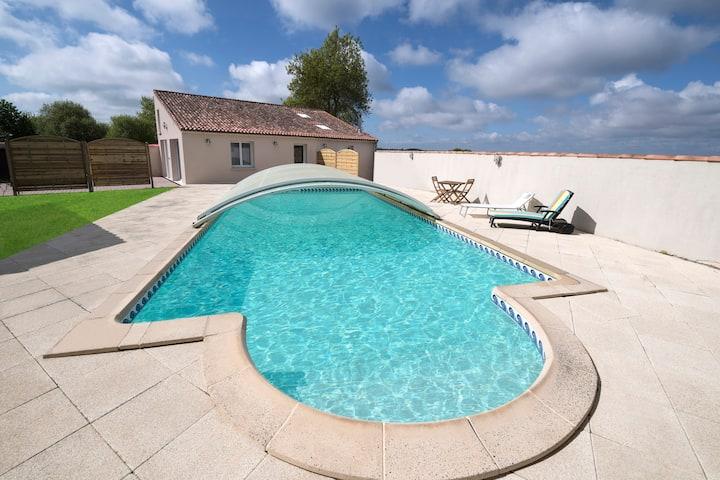 Gîte de L'Essart à la campagne avec piscine