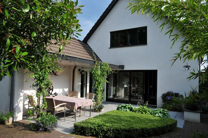 B&B on ground floor nearby Kröller-Müller Museum - Ede - Casa