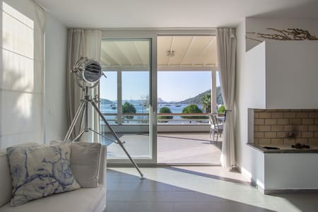 Seafront Luxury Holiday Home in Gocek Topaz