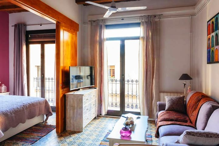CHARMING APARTMENT IN THE HEART OF GRACIA