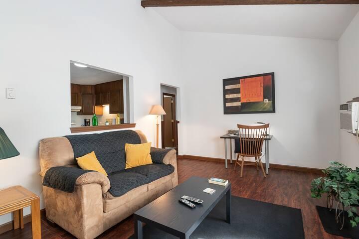 Cozy Quiet Clean Budget Two Bedroom