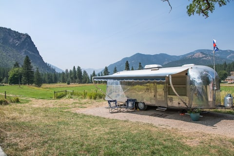 Vintage Airstream with Fabulous Views