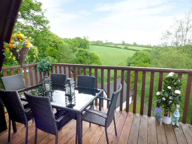 MEADOW VIEW, family friendly, with pool in Gunnislake, Ref 951017
