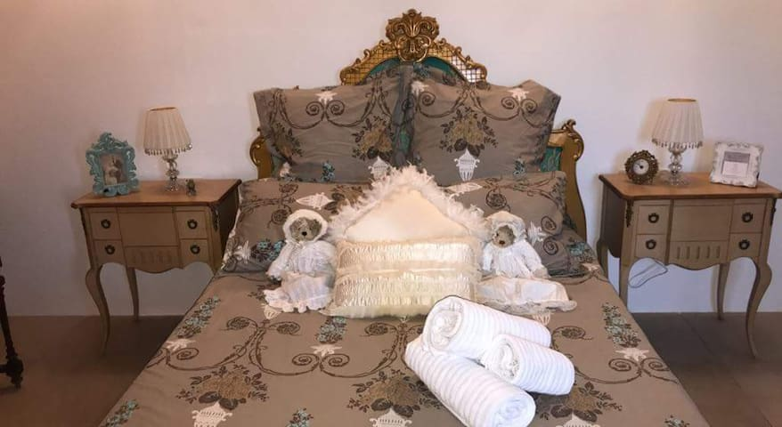 Maltese bedroom