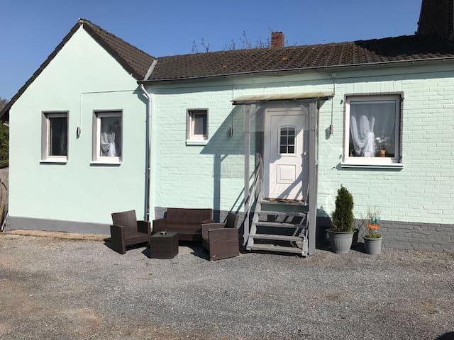 Charming Guesthouse CGN/DUS - Dormagen - Huis