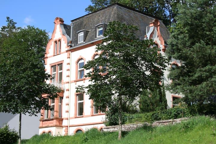 Machen Sie Ferien in der Villa 1900 - Kordel - Apartment
