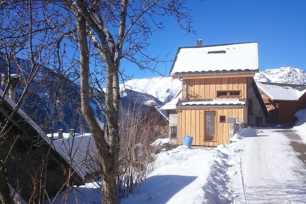 Hiver : Plein soleil, le calme, une vue magnifique  - Winter : Sun, quiet and very nice view