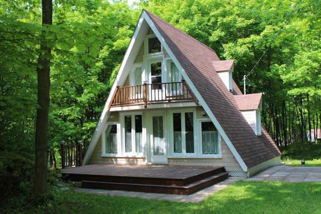 Mini maison vertika chalets for rent in beaumont qu bec for Patinage exterieur quebec