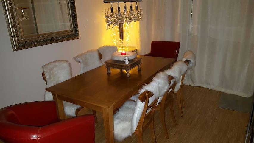Gemütliche Wohnung mit Terrasse und Garten (STA) - Starnberg - Apartamento