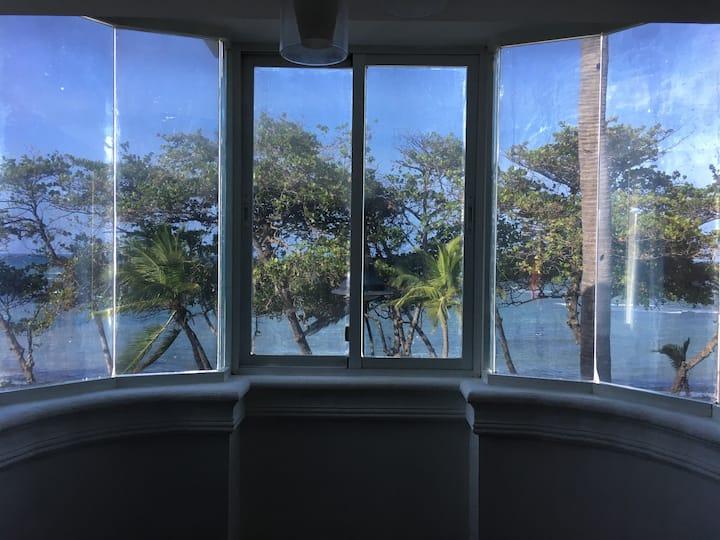Cozy Suite Ocean Front 301