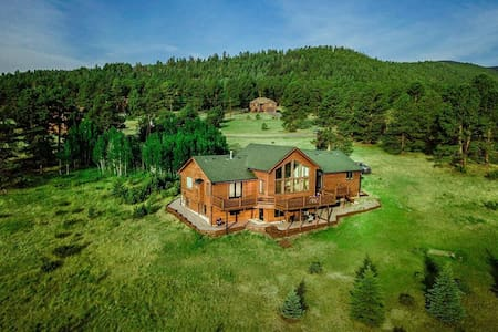 🏠Family Lodge Home in Mountain Preserve✨
