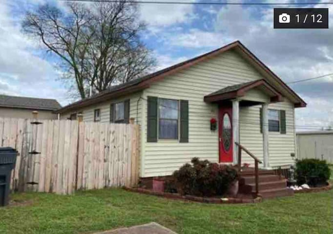 Cozy and near downtown Tuscumbia