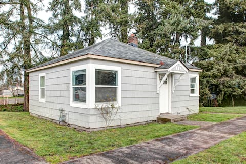 Newly Renovated Cottage in Town