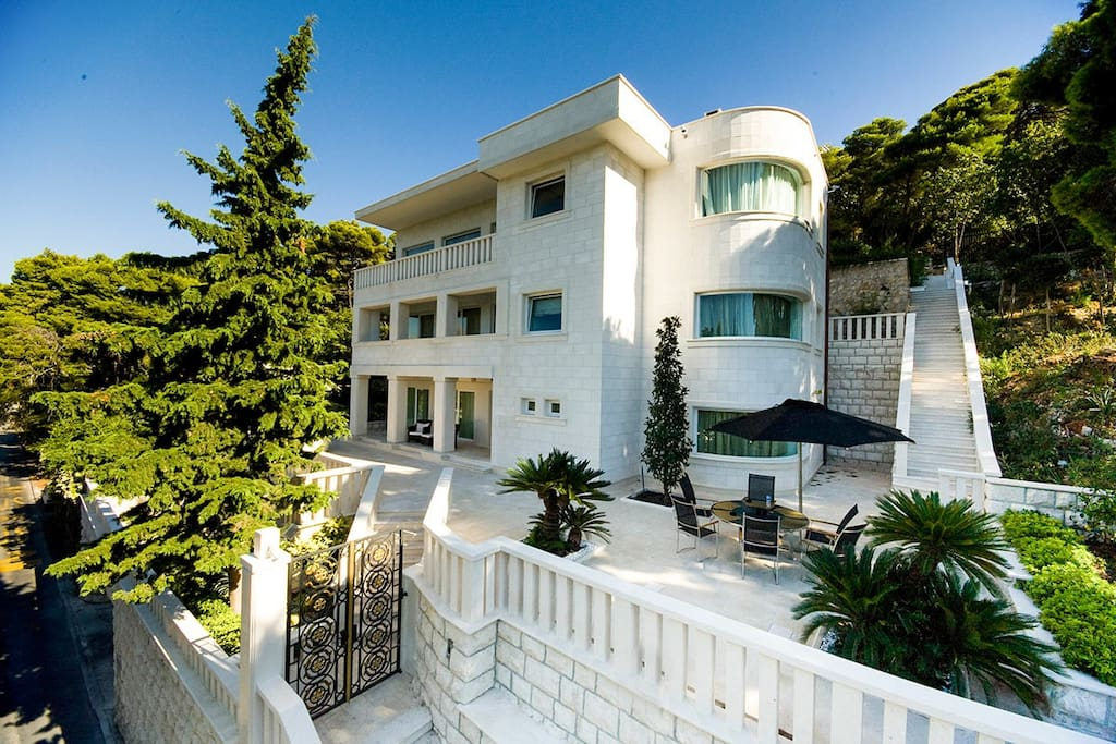 Luxury Villa Dubrovnik Queen with pool by the sea and beach in Dubrovnik - Dubrovnik