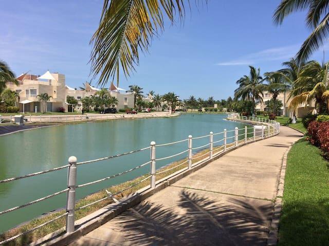 Departamento Frente al Mar en Acapulco Diamante
