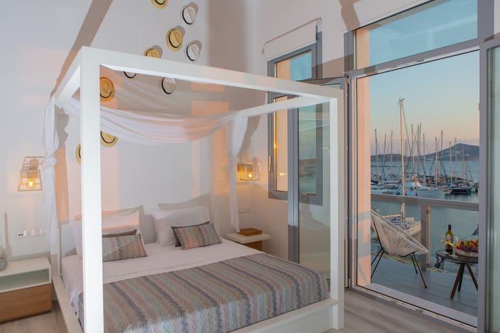 Naxos Riviera Suite 1