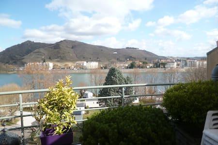 Magnifique duplex avec vue imprenable en Ardèche - Tournon-sur-Rhône - Apartment