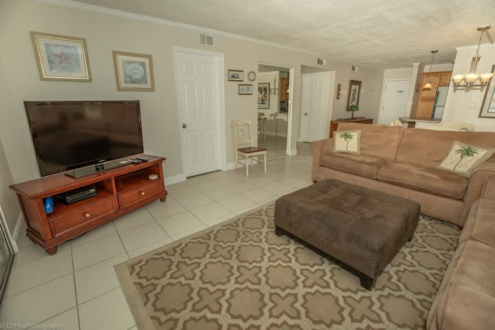 Dolphin Point 303A is a Cute 2 BR overlooking the Harbor