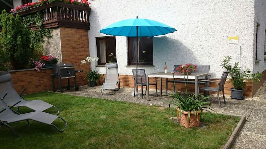 Ferienwohnung Maifeld F *** - Wierschem - Lägenhet
