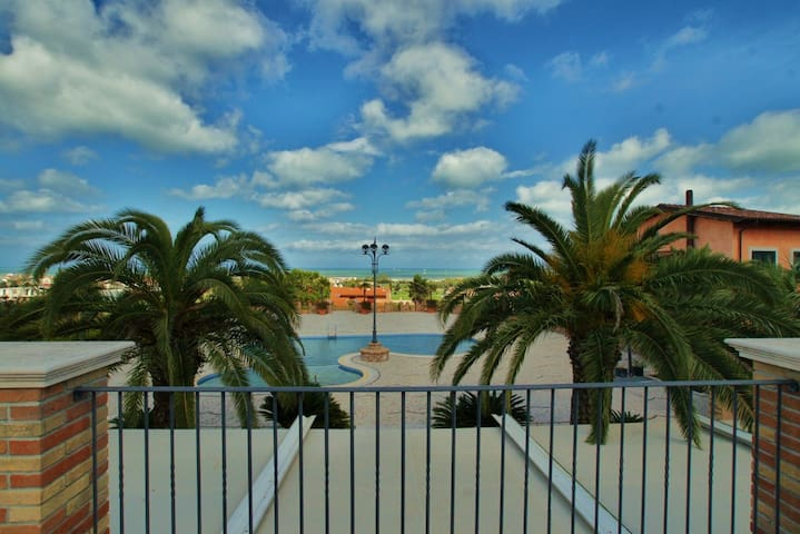 Nice Apartment with Seaview & Pool - Tortoreto - Huoneisto