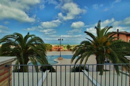 Casa Vacanze vista mare con piscina - Tortoreto