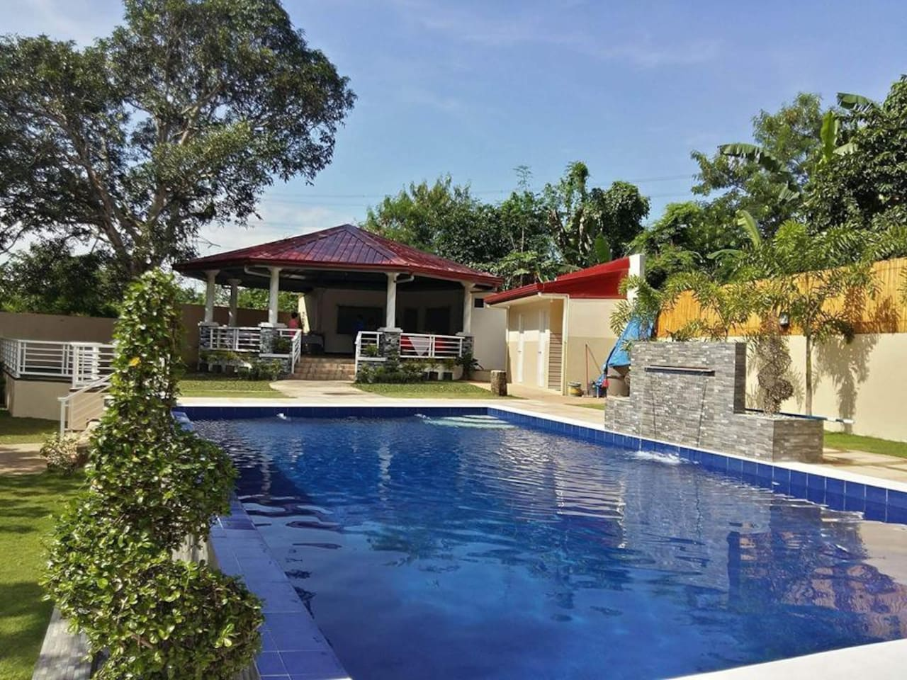 house with pool/garden/events place near tagaytay - holiday homes