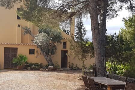 Casa rural con piscina zona tranqui