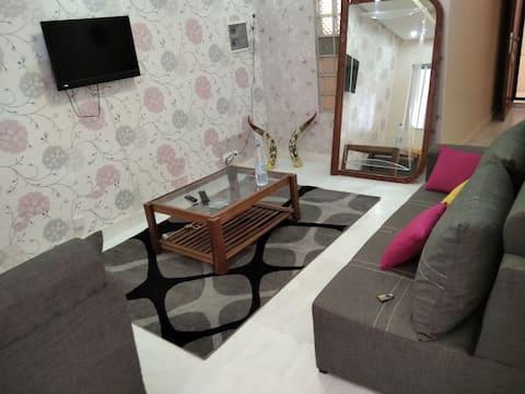 Lovely one bedroom w/ living room, bureau & large balcony