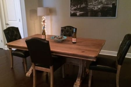 Contemporary gorgeous home can sleep up to 5. - Woolwich Township - Appartement