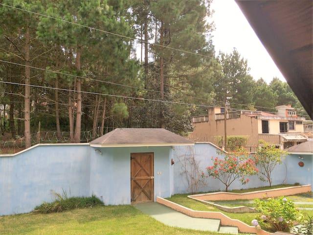 Alquiler casa tipo canadiense - Santiago Sacatepéquez - บ้าน