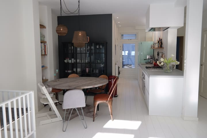 High-end quiet apartment for couple