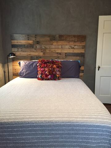 Private Guestroom in Historic Downtown - Lexington - House