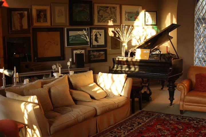 Camilla's Room @ Chapel Hill