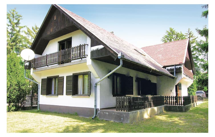 Holiday cottage with 9 bedrooms on 300 m² in Siófok