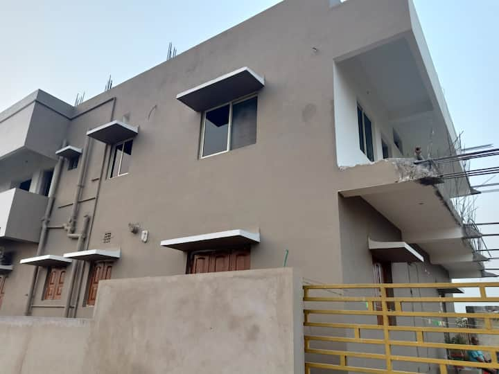 Independent villa with car parking and garden