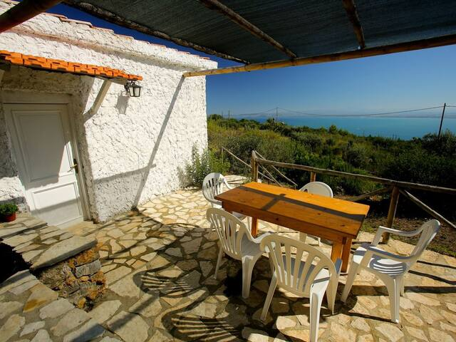 'Sea Dream'Cottage,swimming pool parking and relax