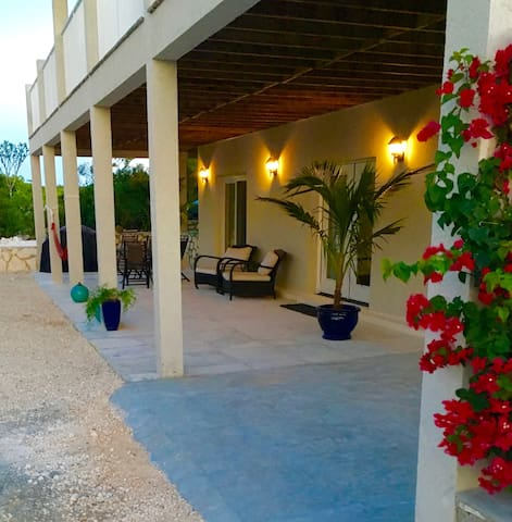 Seascape Ridge Apt. - Caicos Islands - Pis