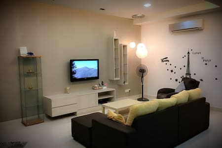 Modern Luxury Holiday Home - 7Room, 16Pax (iBook1) - Tanjung Bungah - 别墅