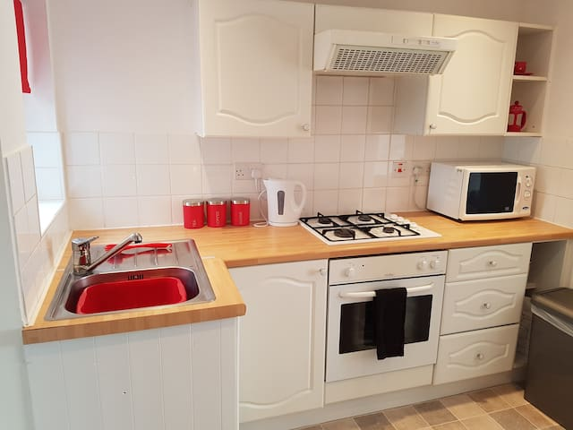 Central Cheltenham house - Sleeps 4|Pet friendly