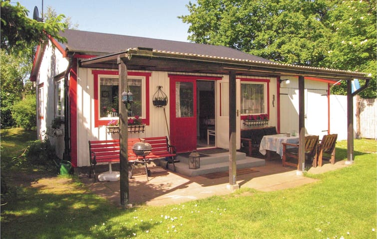 Holiday cottage with 2 bedrooms on 60m² in Beddingestrand