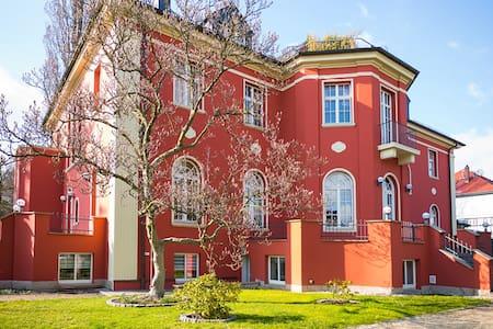 Ferienwohnung Villa am Park - Drezno - Apartament