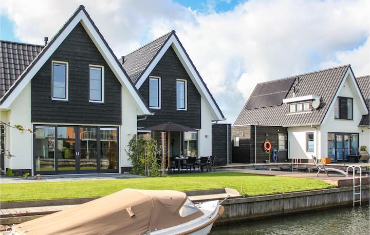 Beautiful home in Stavoren with WiFi and 3 Bedrooms