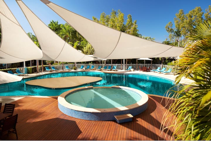 Stylish 1 Bedroom Apartment at Cable Beach