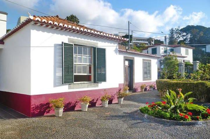 Casa da Avó Benvinda - Funchal - House