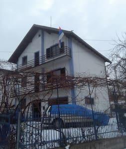 Nord Bosnien Derventa ,zwichenSarajevo .,Zagreb,un