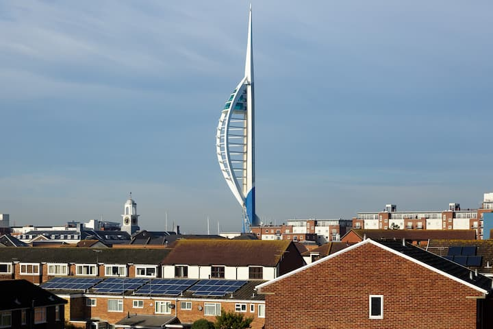 Self Contained Old Portsmouth Apt near Gunwharf