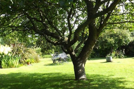 Sweet Briars Isle of Wight Self Catering Cottage - Chale - Casa